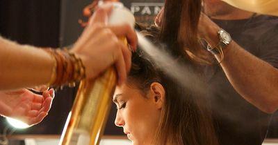 Haarspray mit Nebenjob