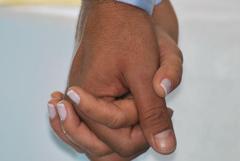 Um Den Finger Wickeln