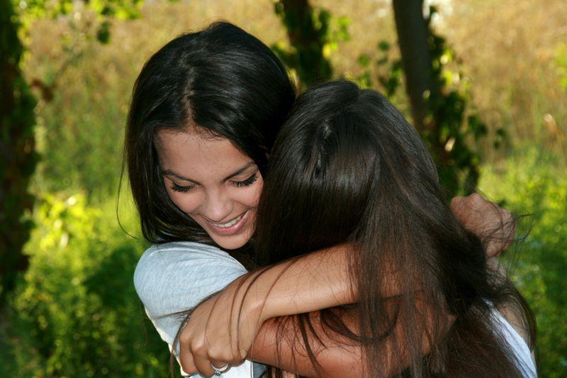 An diesen Dingen erkennst du, ob sie wirklich deine beste Freundin ist
