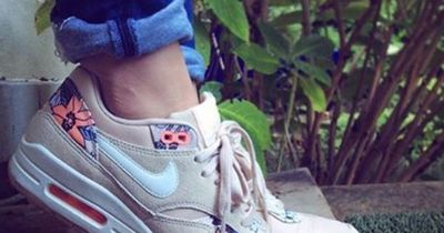 So bekommst du deine Sneaker wieder blitzeblank.