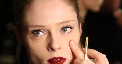 Die besten Tricks mit weißem Eyeliner