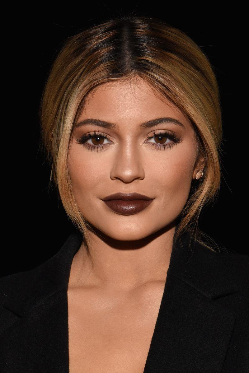 Lippenstift dunkle haare braune augen