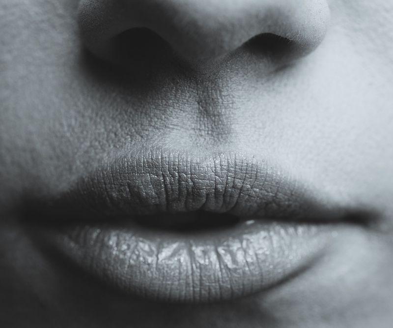 So schminkt ihr Dark Lips richtig