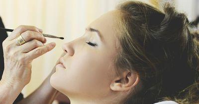 Auf diese Make-Up Tricks stehen Jungs total!