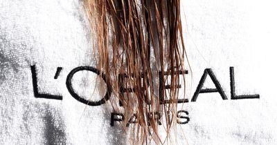 Warum du niemals mit nassen Haaren ins Bett gehen solltest