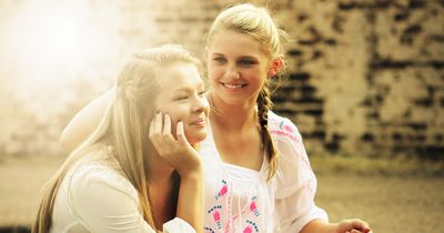 DIESE Dinge kommen dir nur bekannt vor, wenn du deine Schwester hast!