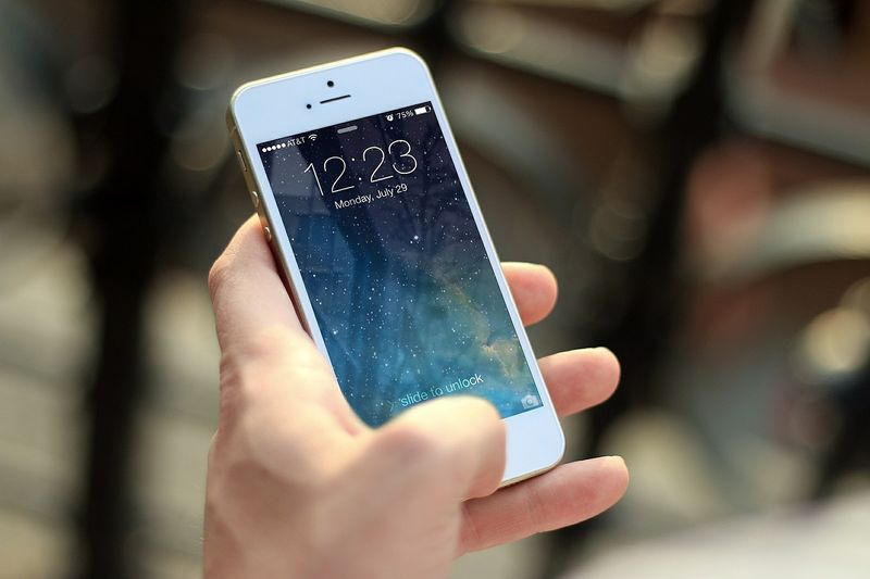 DIY: So machst du dein kaputtes Smartphone zum Hingucker!