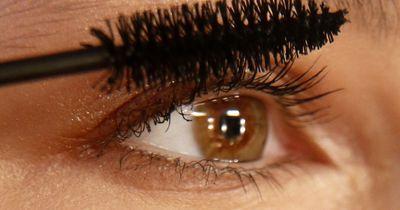Dieser Mini-Trick sorgt für wunderschöne Wimpern