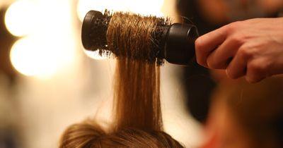 Das hilft wirklich gegen kaputte Haare bei kalten Temperaturen