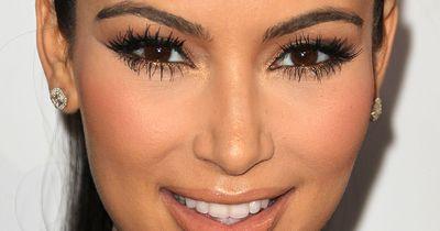 So einfach ist es, falsche Wimpern anzukleben und wieder zu entfernen