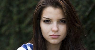 4 Gründe, warum du dein Gesicht nicht dauernd anfassen solltest