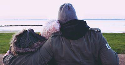 Daran erkennst du, dass er total in dich verliebt ist!