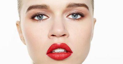 Lippenkorrektur: Mit diesem Trick endlich vollere Lippen!
