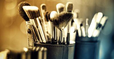 Tiefenreinigung für deine Make-up Pinsel