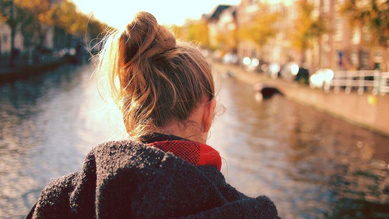 5 Anzeichen dafür, dass du zu sehr an andere denkst