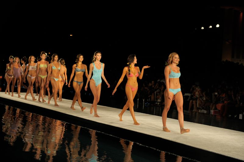Der perfekte Bikini für eure Figur