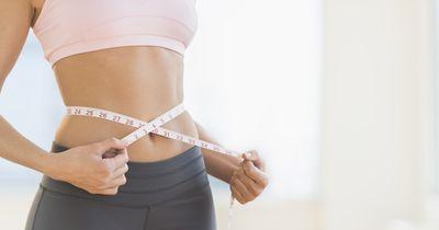 So wirst du  Bauchfett in nur 14 Tagen los – ganz ohne Sport