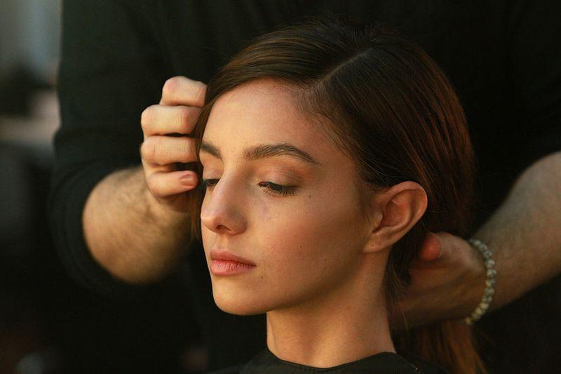 Die Perfekte Frisur Für Jeden Tag In Nur 1 Minute