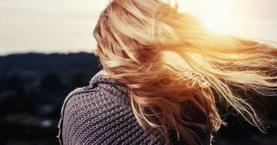 Mit diesen Tipps werden deine kaputten Haare wieder gesund