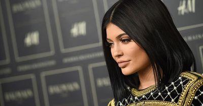 Kylie Jenner bringt einen fragwürdigen Lippentrend auf den Markt