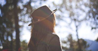Achtung vor Hautkrebs! So kannst du dich selbst untersuchen