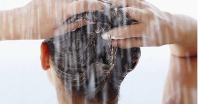 Ohje, diesen einen Fehler machen wir alle beim Haare Waschen!