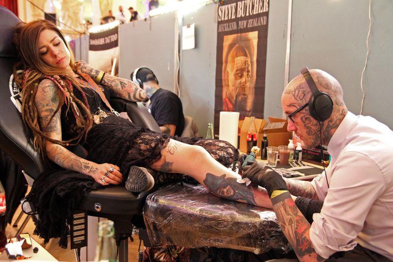 Deswegen solltest du dir viele Tattoos stechen lassen