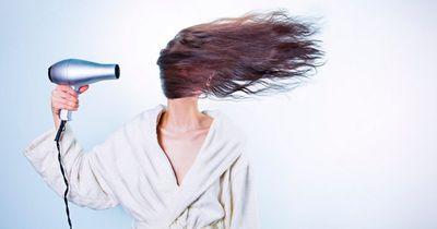 Das passiert wirklich, wenn du deine Haare nicht mehr föhnst