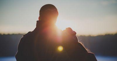Das sind die 5 Phasen einer Beziehung