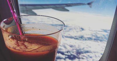 Darum trinken wir Tomantensaft im Flugzeug