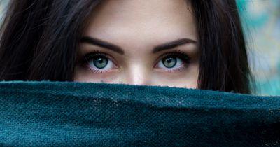 Die Augenfarbe entscheidet darüber, wem wir vertrauen!