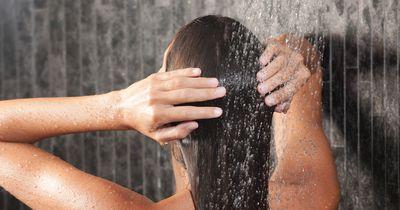 9 vermeidbare Fehler, die wir beim Haarewaschen machen!