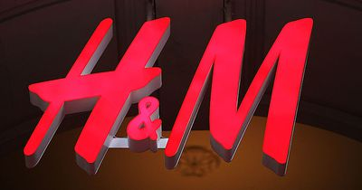 H&M bringt Mascara und Eyeliner in einem Produkt heraus