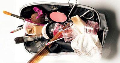 Diese Dinge sollten wir in unserer Make-up-Tasche unbedingt häufiger reinigen