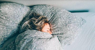 Diese 5 natürlichen Mittel helfen dir beim Einschlafen