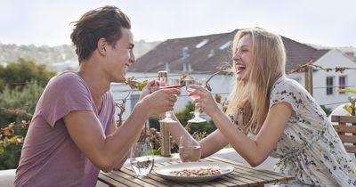 36 Fragen beim ersten Date, die zu Liebe führen