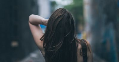 5 Dinge, die passieren, wenn du deine Haare nicht mehr wäschst