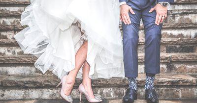10 außergewöhnliche Hochzeits-Outfits, die wirklich wunderschön sind!