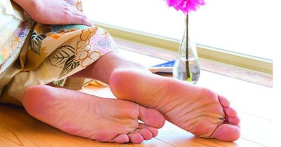 Mit dieser Methode bekommst du garantiert babyweiche Füße!