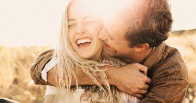 Intelligente Menschen verlieben sich schwerer