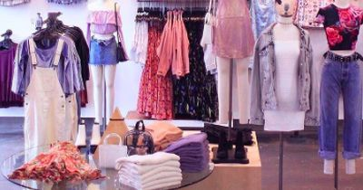 Waaas? Unsere Lieblings-Modekette muss schließen?!