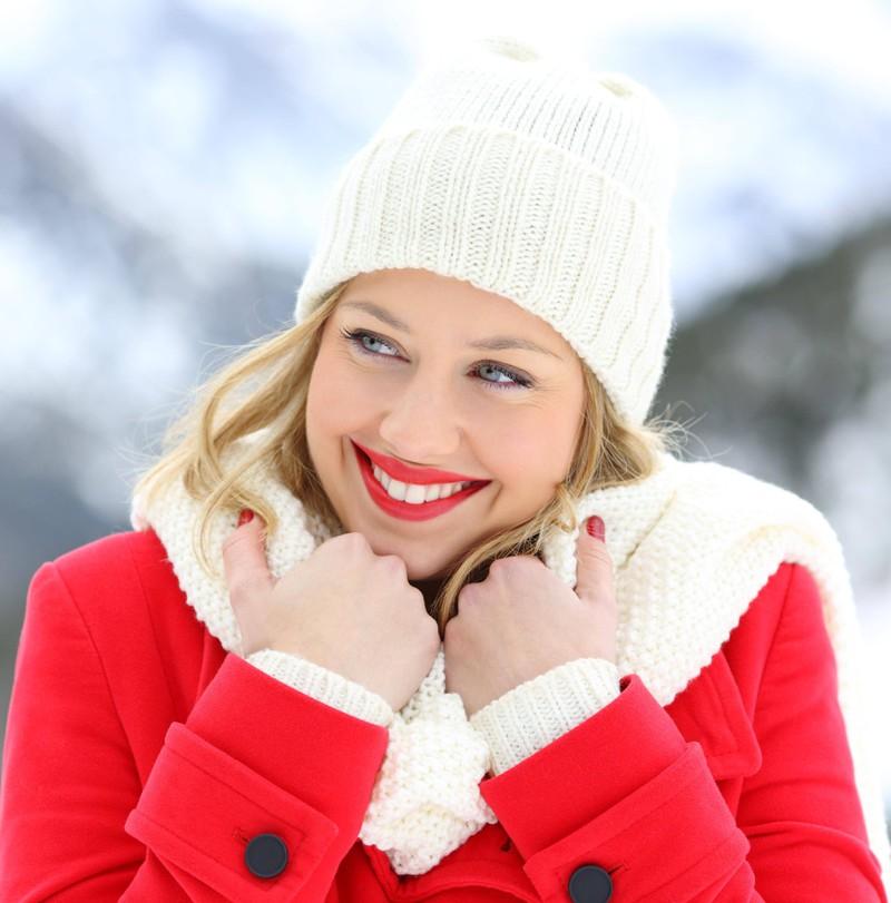 Frauen mit roten Lippen wirken attraktiver