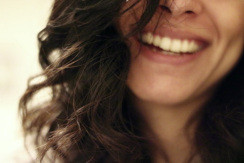 3 natürliche Wege, um deine Zähne aufzuhellen