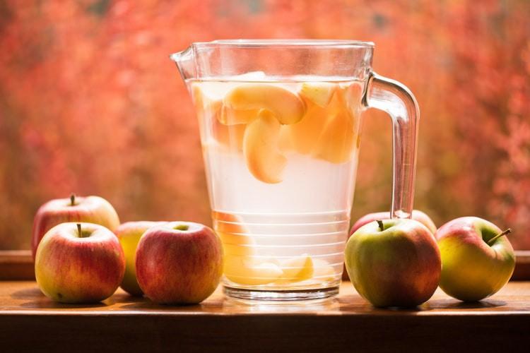 Infused Water: 5 Rezepte für fruchtige Sommergetränke
