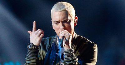 Blond und glatt rasiert: So sieht Eminem nicht mehr aus!