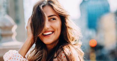 Wissenschaft belegt: Mit diesen Tricks wirst du sofort attraktiver