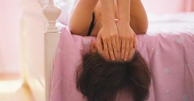 Erwischt: Diese ekelhaften Dinge macht jede Frau