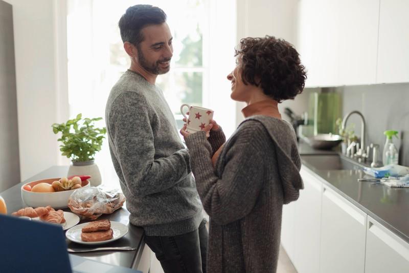 Ein bisschen Eifersucht schadet der Beziehung nicht, sondern zeigt, ob du ihm fehlst.