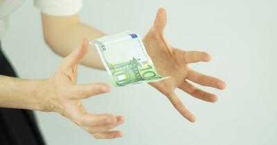 Jeden Monat über 400 Euro sparen: So schafft das jetzt jeder!