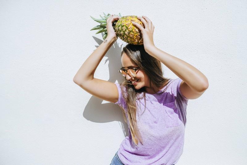 Ananas enthält den Wirkstoff Bromelain, der die Verdauung anregen soll.